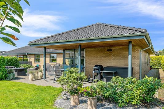 Villa på Ketting Parkvej i Harlev J - Overdækket terrasse