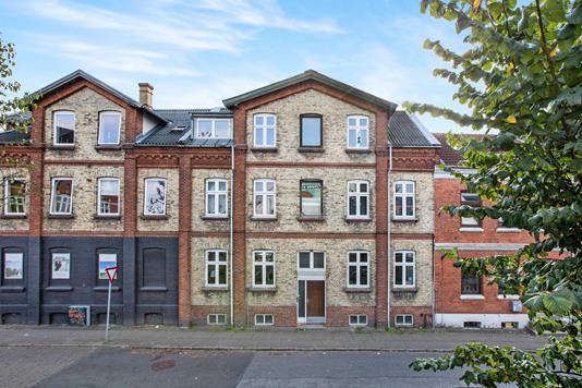 Ejerlejlighed på Skt. Hans Gade i Odense C - Ejendommen