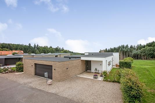 Villa på Grangaard Allé i Jelling - Ejendommen