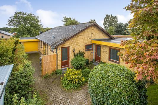 Villa på Rosenvold i Jelling - Ejendommen