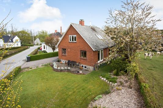 Villa på Ådalvej i Jelling - Ejendommen