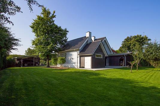 Villa på Lunden i Bredsten - Ejendommen
