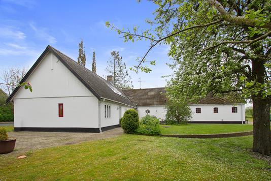 Villa på Mølvangvej i Jelling - Ejendommen