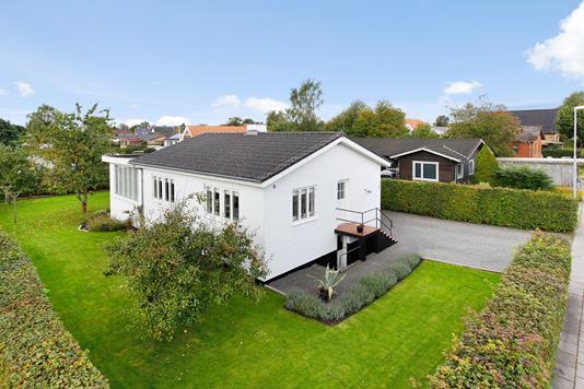 Villa på Vestervænget i Jelling - Mastefoto