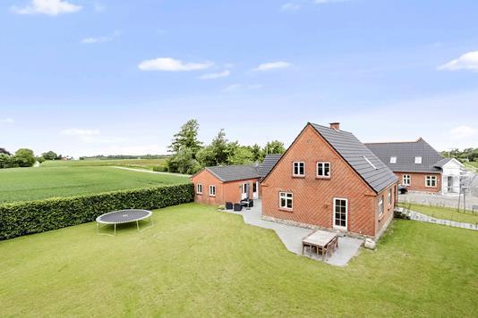 Villa på Hvejselvej i Jelling - Ejendommen
