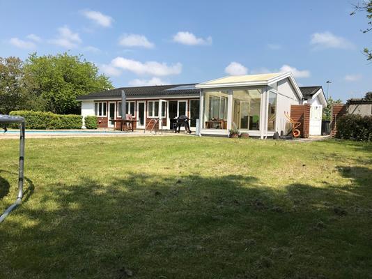 Villa på Lindegårdsvej i Farum - Baghave