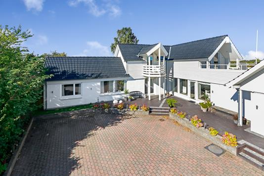 Villa på Nellikevej i Odense SV - Ejendommen