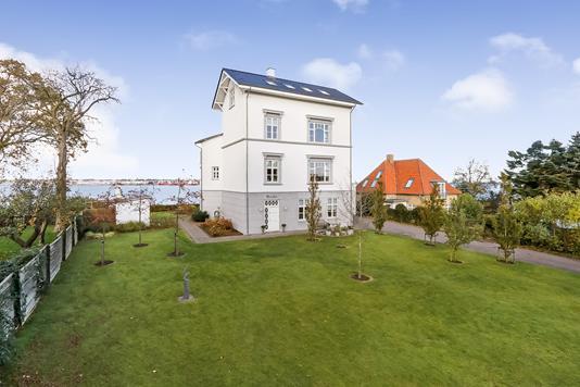 Villa på Nørre Alle i Middelfart - Ejendommen