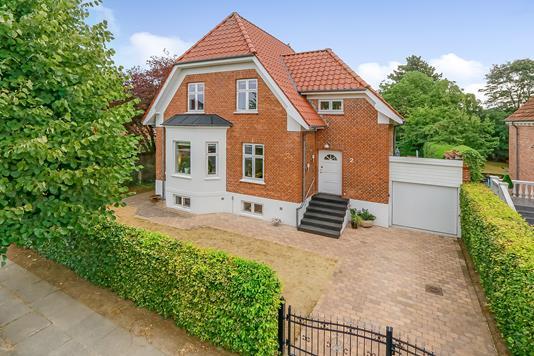 Villa på Poppelvej i Odense M - Ejendommen