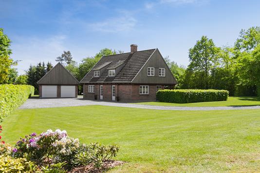 Villa på Bredbjergvej i Morud - Ejendommen