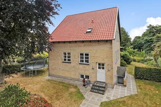 Villa på Kristiansdals Allé i Odense SV - Ejendommen
