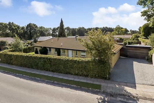 Villa på Blåklokkevej i Odense SV - Have