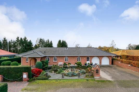 Villa på Søbrinken i Langeskov - Ejendommen