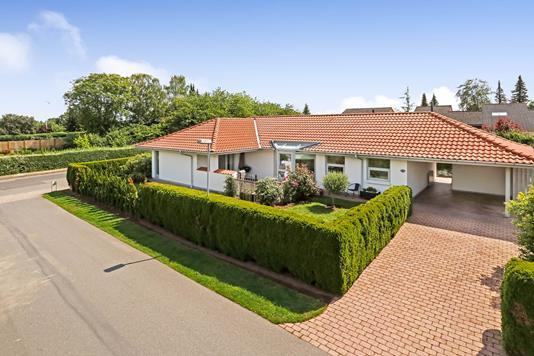 Villa på Bøgesangervænget i Odense NV - Ejendommen