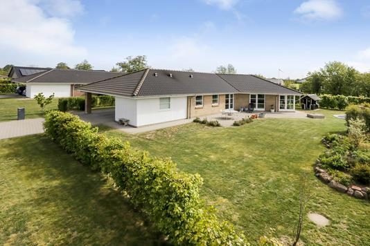 Villa på Bækkelunds Have i Odense NV - Ejendommen