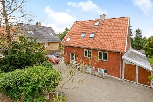 Villa på Hjallesevej i Odense M - Ejendommen