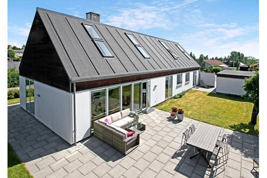 Villa på Kirsebærhaven i Lynge - Facade