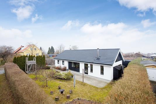Villa på Blovstrød Alle i Allerød - Ejendommen