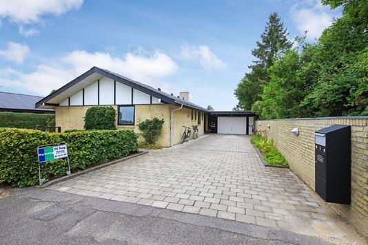 Villa på Hørmarken i Allerød - Garage