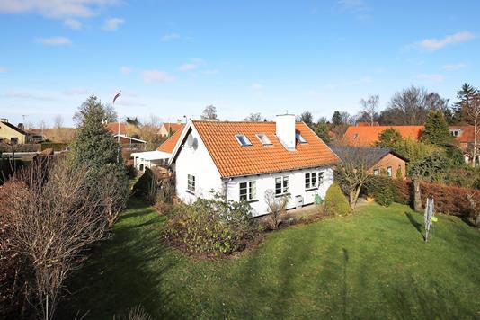 Villa på Bakkevej i Birkerød - Ejendommen