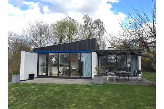 Villa på Rolighedsvej i Værløse - Ejendommen