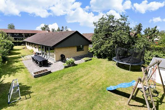 Villa på Højeloft Vænge i Værløse - Ejendommen