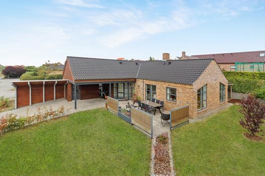 Villa på Skovbakken i Nibe - Ejendom 1