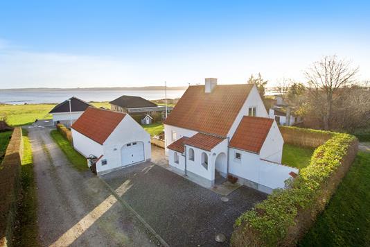 Villa på Bakkevej i Nibe - Ejendommen