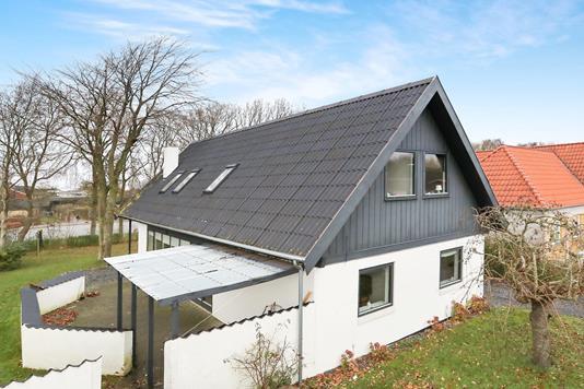 Villa på Østervangen i Nibe - Ejendommen