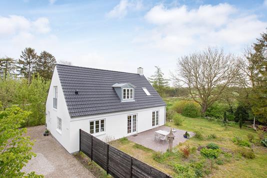 Villa på Vassingerød Bygade i Lynge - Ejendommen