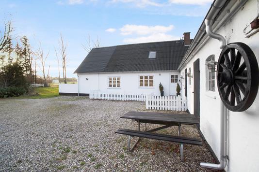 Landejendom på Sørupgårdsvej i Allerød - Gårdsplads