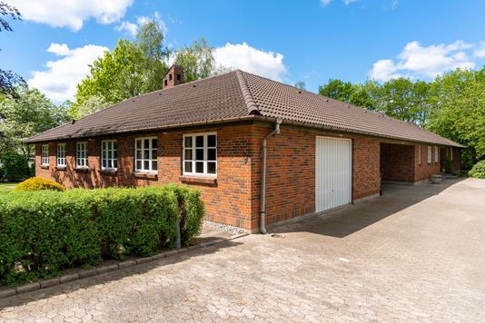 Villa på Håndværkerparken i Store Heddinge - Set fra vejen