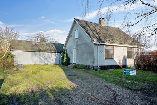 Villa på Æblevej i Strøby - Set fra vejen