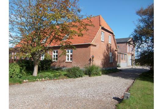 Huse til salg i Ringkøbing-6950   Nybolig Ejendomsmægler